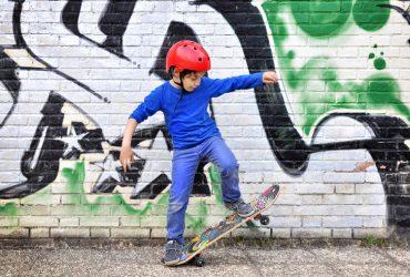 Child Skating Stand